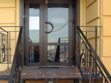 Входная дверь из ПВХ профиля